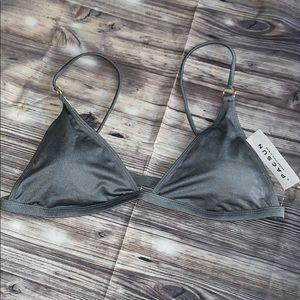 Grey bikini top ☀️ la hearts